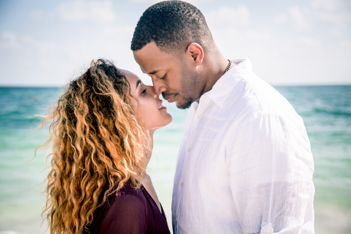Destination couples photography in Cancun