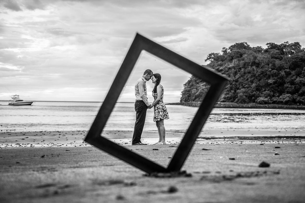 Couples photography session for Costa Rica vacation