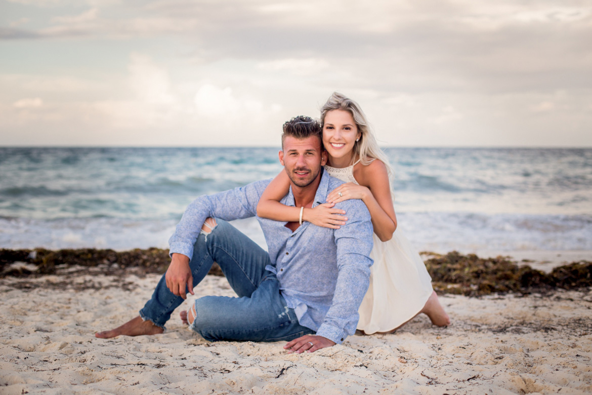 Romantic couples photography sessions at Playa Mujeres