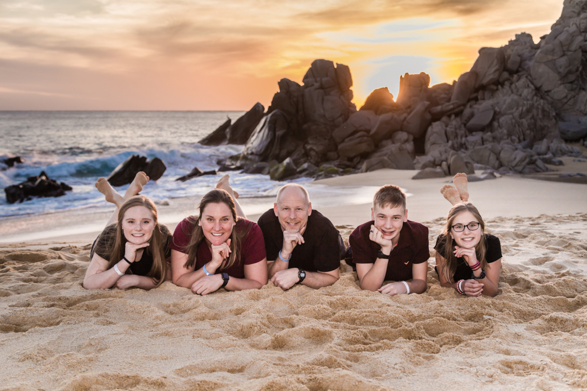Family beach photo session in Los Cabos