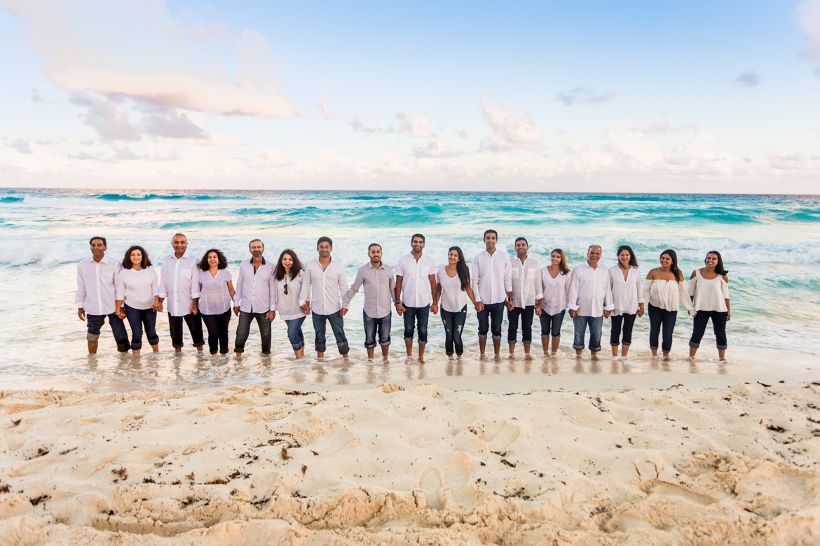 Beach family reunion photography