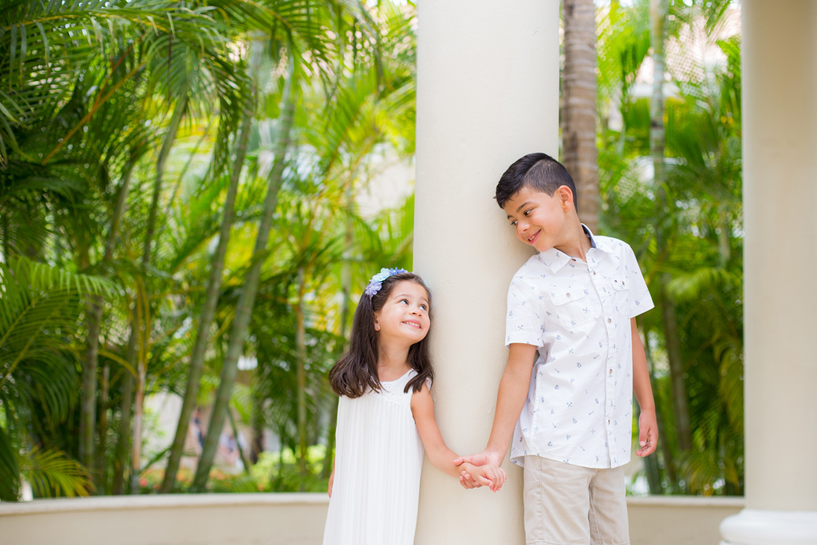 Sibling photography in Dominican Republic