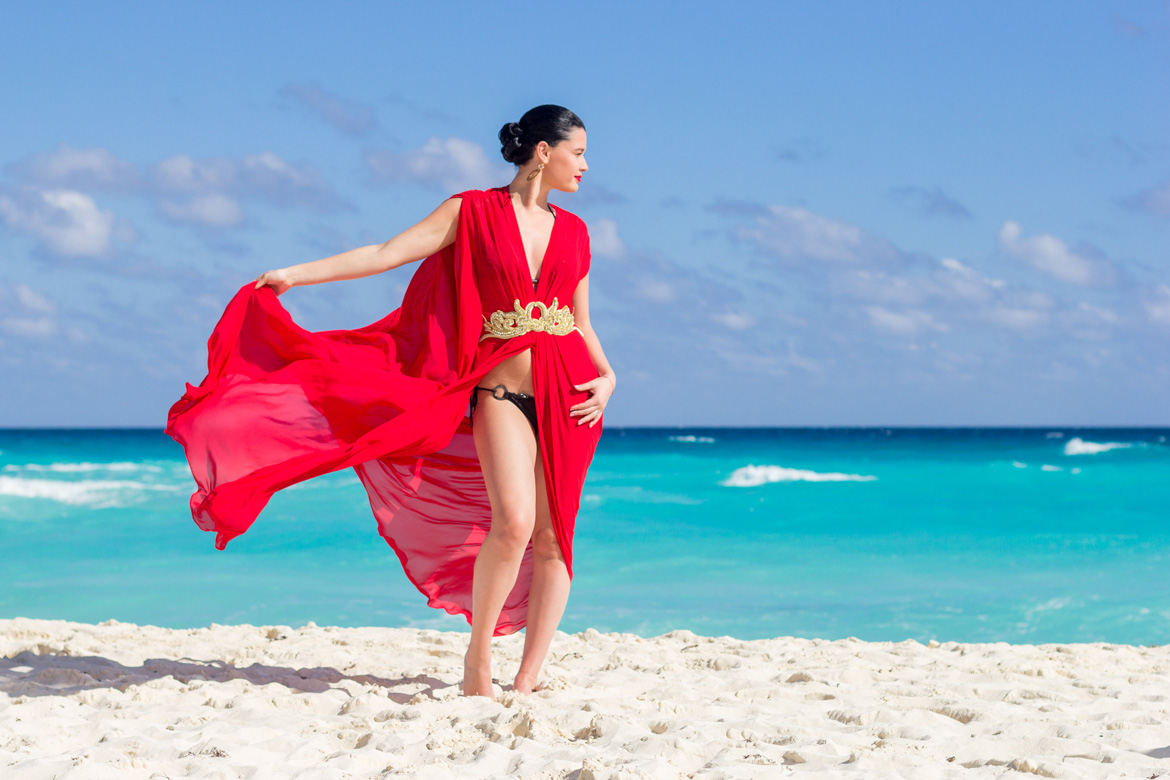 Beach photography session at resort in Cancun by Adventure Photos