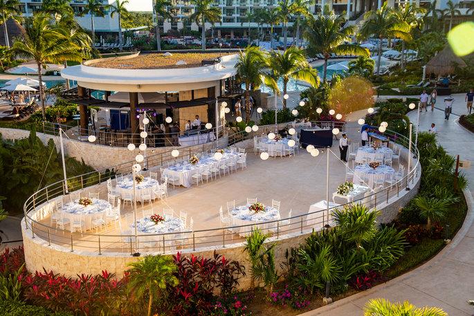 beautiful outdoor wedding tables set up
