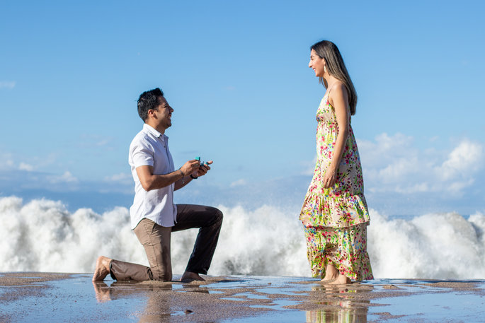 Engagement proposal caught on camera on the beach