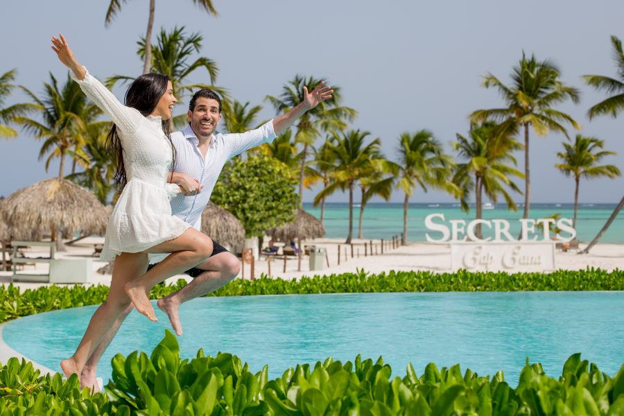 Couples Photography at Secrets Resorts & Spa by Adventure Photos