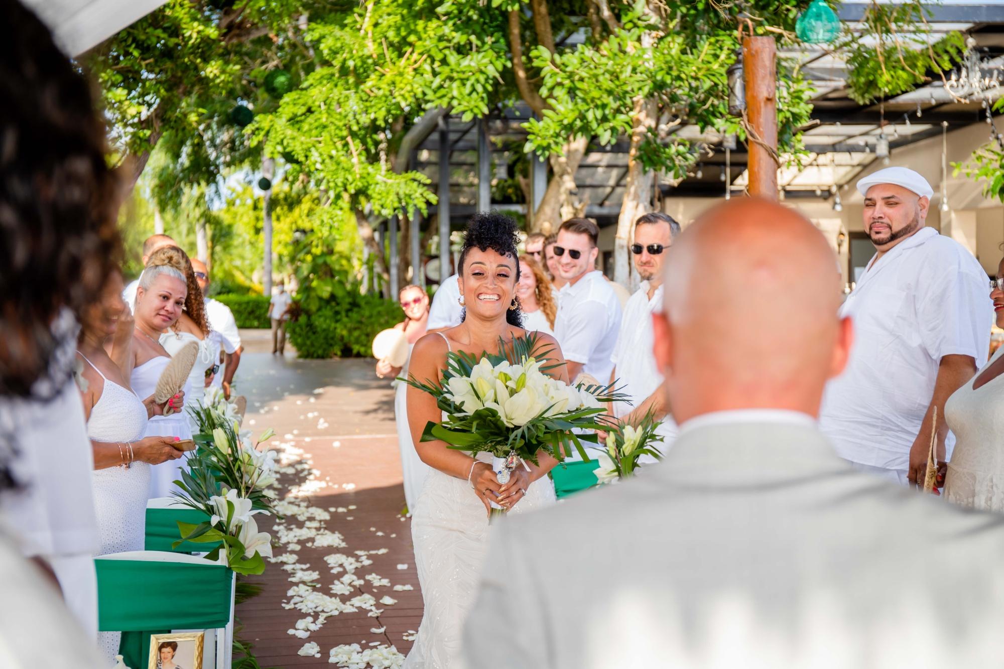 First look at a wedding at Secrets Aura